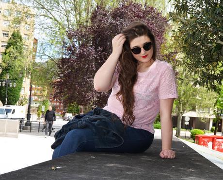 OOTD ~ Jeans + Encaje ~ Amar no significa poseer ~ #PlusBlogger