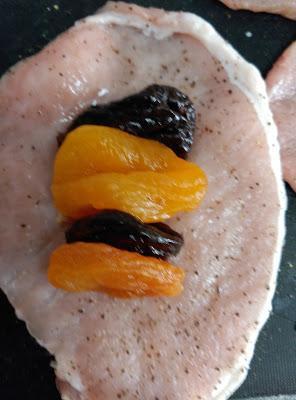 Rollitos de lomo con frutas secas
