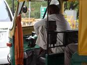 taxistas-rickshaw walas: pillos como nadie, genuinos 'Made India'.
