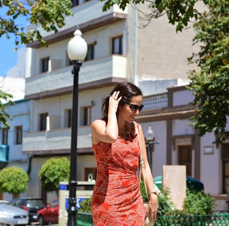 red-dress-outfit-street-style