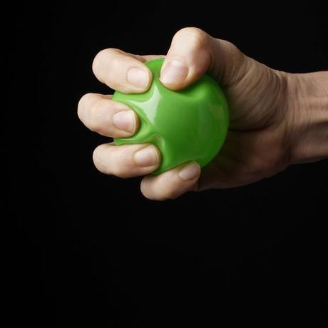 Apretar una pelota de plástico podría estimular tu creatividad