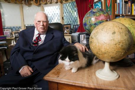 May0029836.DTFeatures.Pic Shows Sir Patrick Moore with one of his cats Jeannie