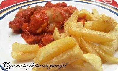 Manitas de cerdo en salsa de tomate paperblog for Cocinar manitas de cerdo