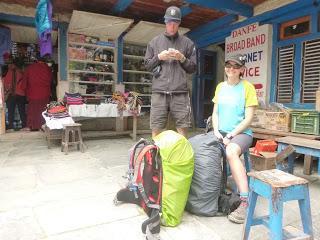 ANNAPURNA CIRCUIT ETAPA 3: DANAKYU (2190 m) - DHIKUR POKHARI (3060 m)