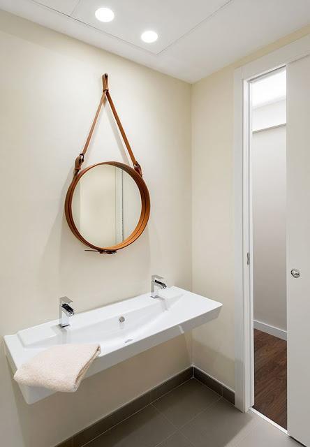 Moda para el hogar espejo de colgar con cinta paperblog for Como colgar un espejo en la pared