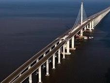 China bate propio récord construye puente largo mundo