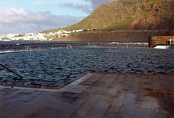 Las piscinas naturales de bajamar paperblog for Piscinas naturales cerca de toledo