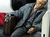 Casi ciento españoles siente cansado falta energía