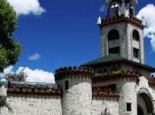 Puertas ciudad Loja, símbolo turístico reconocible urbe sureña