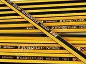 Papel, gomas, lápices recuerdos otro tiempo