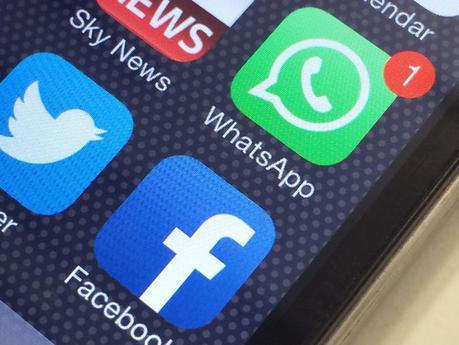 10 Frases Para Whatsapp De Amor Cortas E Impactantes Paperblog
