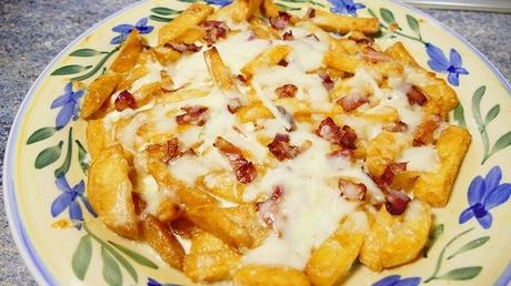 BACON CHEESE FRIES – patatas del foster hollywood