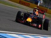 Ricciardo muestra satisfecho diferencia entre Bull Mercedes