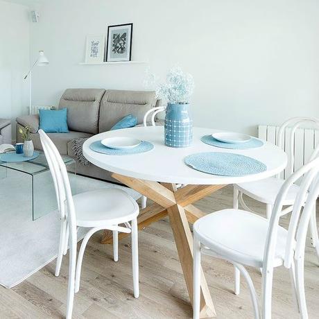 Deco el encanto de las mesas redondas paperblog - Mesas salon redondas ...