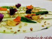 Carpaccio calabacín albahaca, sésamo chips