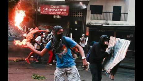 ¡ALERTA CON LA BRUTAL PROPAGANDA DE GUERRA CON LA QUE NOS ESTÁN BOMBARDEANDO! / Vea las 10 claves del fascismo en Venezuela