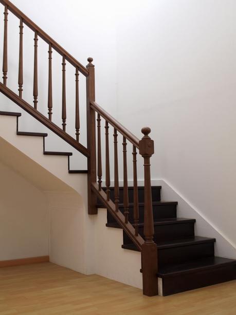 por qu elegir un pasamanos de madera para tus escaleras