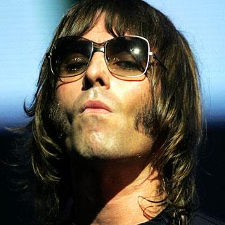 Liam Gallagher Regala Su Brit Awards