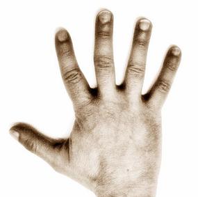mano ¿Por qué me tiemblan las manos?