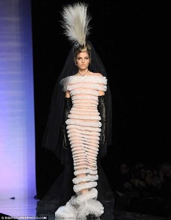 La novia del desfile de Jean Paul Gaultier Alta Costura, era el modelo servio Andrej Pejic