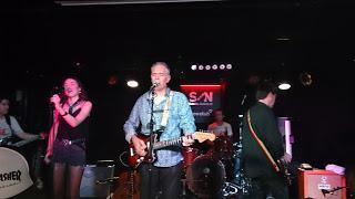 La Gran Esperanza Blanca - El chico del tren (En Directo en La Sala Loco Club, Valencia) (23-4-2016)