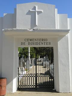 Disidentes en Valparaíso y Cementerio General Recoleta, Santiago de Chile