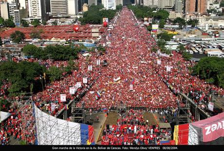 Imagenes falsas de la marcha de Maduro el #1S