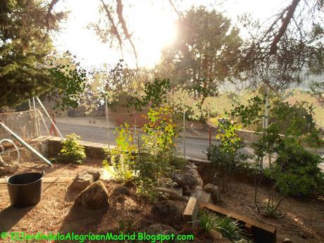 C mo instalar una valla met lica en el jard n y poner malla de ocultaci n paperblog - Valla metalica jardin ...