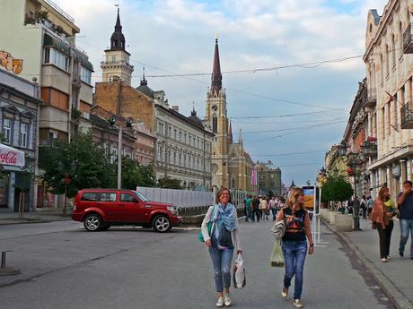 Un paseo por la ciudad serbia de Novi Sad