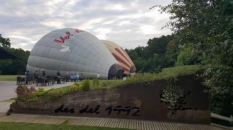 Una mañana volando en globo........   One morning balloon flying ........