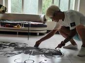 Wang Xiaojiu, peluquero Jilin (China), crea personajes cómics pelo suelo tras servicio