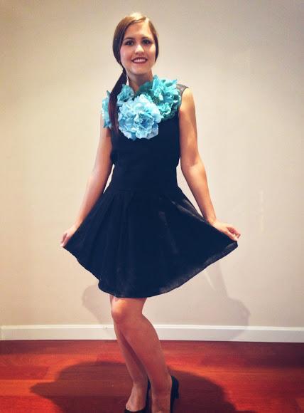 Outfit Vestido Negro Y Un Buen Collar De Cloti García Bastan