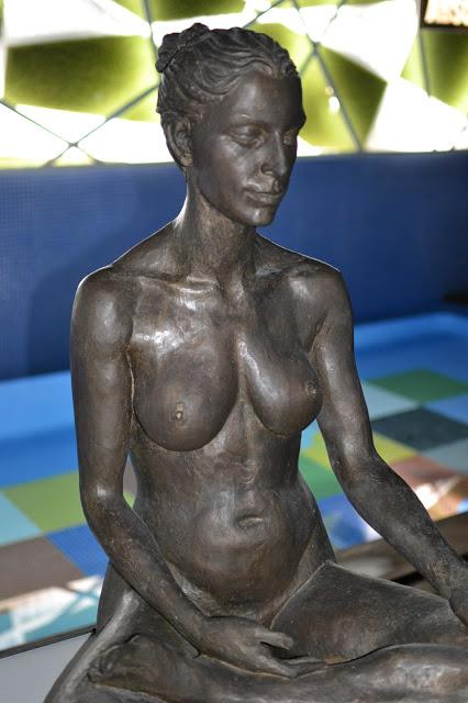 Exposición de esculturas de Jorge Egea en el Axel Hotel de Barcelona