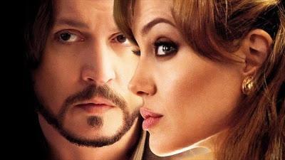 Angelina Jolie consolada por su amigo Johnny Depp