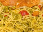 Menú espaguetis guisantes ytomates cherry vino pollo parmesana