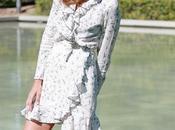 mini vestido blanco volantes