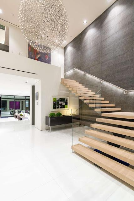 escaleras modernas y