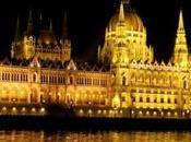 BUDAPEST. Pomposa, Iluminada, Imperial. Reina Danubio.HUNGRIA