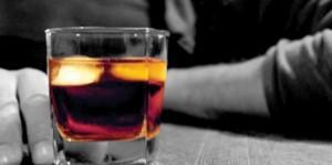 12728764733 590x295 300x149 Gana el pulso a la adicción alcohólica sin fármacos