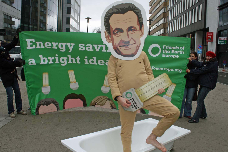 Campaña de Eficiencia Energética? ¡Una idea brillante!