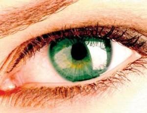 ojo1 300x232 ¿Ojos irritados? Conoce sus causas y soluciones