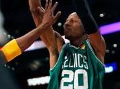 Allen, junto Paul Pierce Concurso Triples
