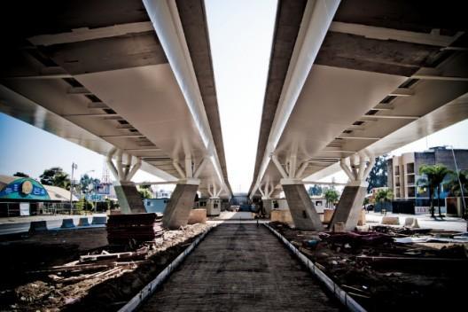 En Construcción: Puente Jorge Matute Remus / Miguel Echauri + Álvaro Morales Hernández