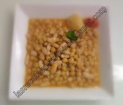 Potaje trianero de chicharos y garbanzos