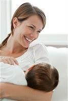 La lactancia materna reduce las convulsiones en los niños