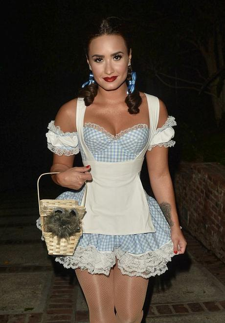 demi-lovato-at-a-halloween-party-in-los-angeles-10-29-2016-1_thumbnail