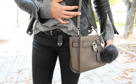 f2ce641521 Zara •• Jersey - Sweater. Zara(new)(Click AQUÍ • HERE)•• Pantalón - Pants.  Zara •• Zapatos - Shoes. Zara•• Bolso - Bag. Michael Kors (new)•