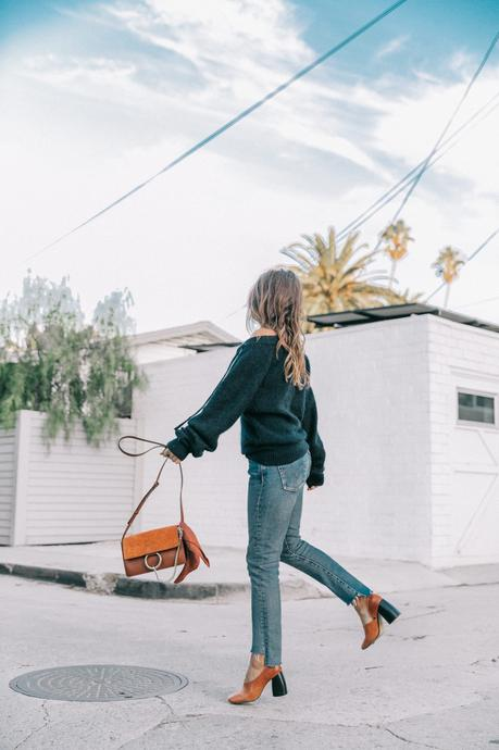 venice_beach-knotted_jumper-levis_jeans-chloe_bag-mango_shoes-horn_necklaces-outfit-street_style-los_angeles-collage_vintage-142