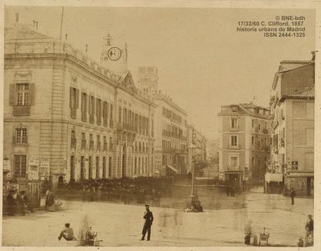 El reloj de la puerta del sol en tiempo real madrid 1866 for Reloj puerta del sol madrid