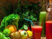 ¿Qué aportan salud zumos batidos detox?